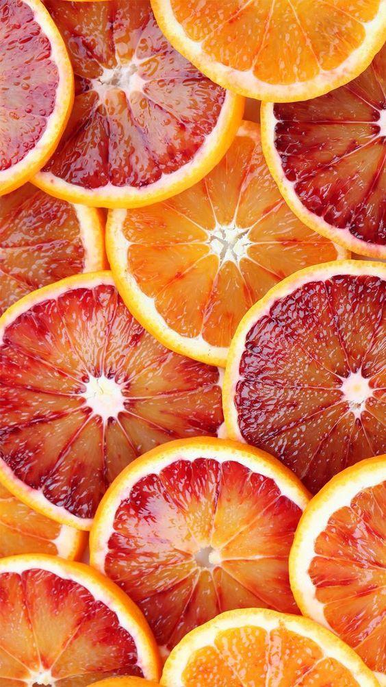 Tranches d'agrumes, ingrédients principaux des eaux de cologne, inévitables dans l'histoire du parfum