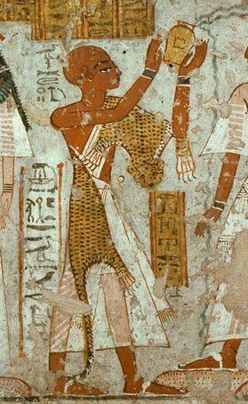 prêtre égyptien brûlant de l'encens