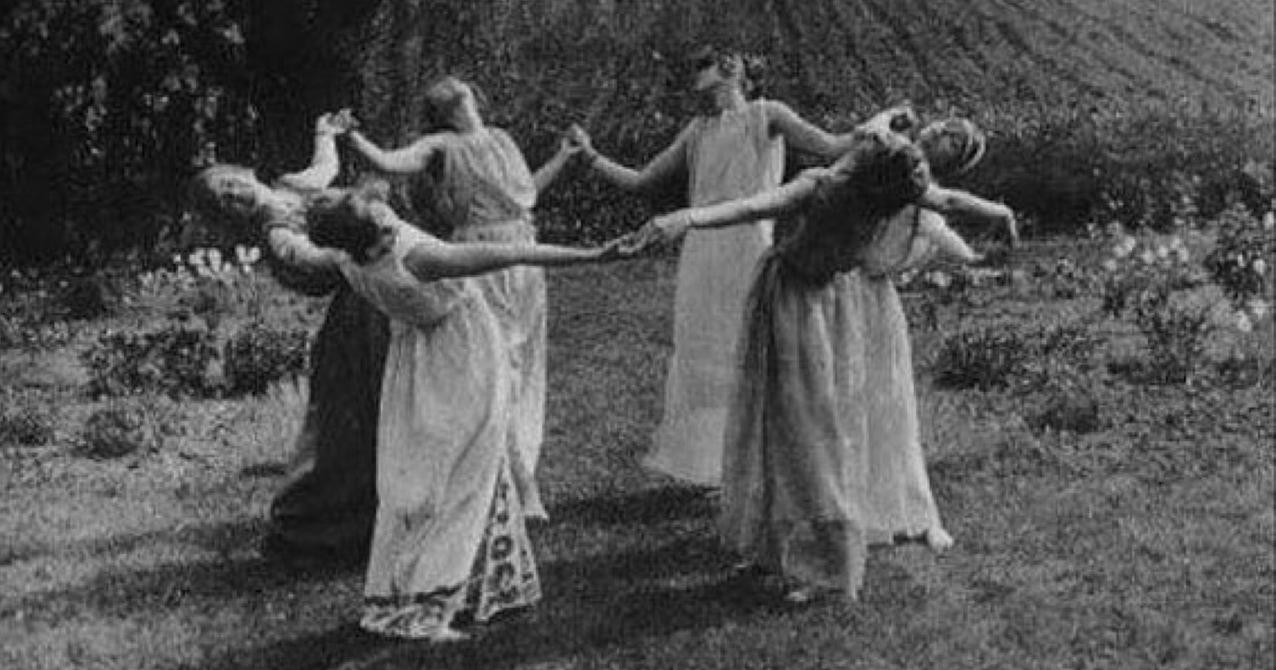 Parfum et sorcellerie : un sabbat de sorcières