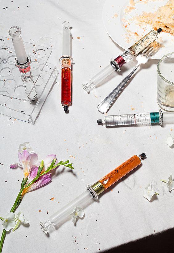Pipettes jaugées pour fabrication d'un parfum